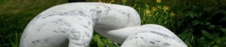 cropped-garden-statue.jpg