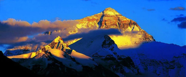 tibet_golden_mount_everest